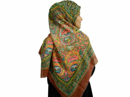 روسری نخی حاشیه زرشکی چاپ دیجیتال ۷۰۱