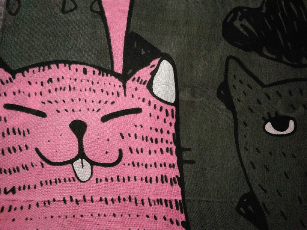 روسری نخی پترن گربه دودی صورتی ۸۸۹   خرید اینترنتی روسری طرح گربه   خرید روسری گربه ای